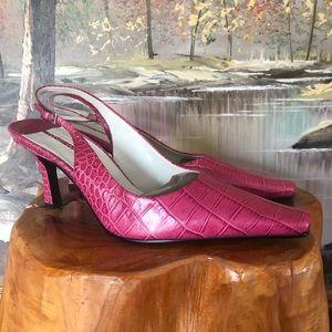 NEW Fuchsia leather Croc print sling back heel